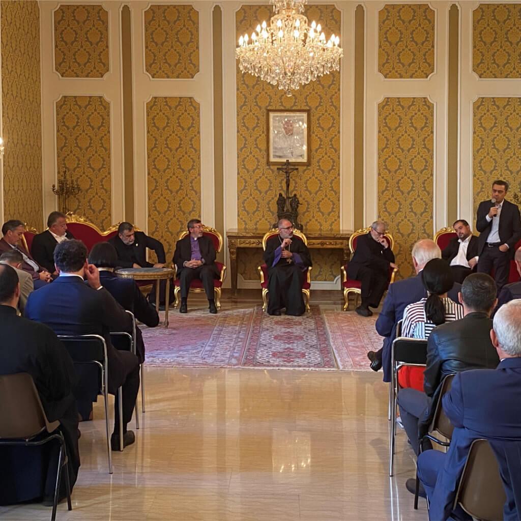 Meeting with the Armenian community in Rome. Armenia TV, October 14, 2021 (in Armenian)